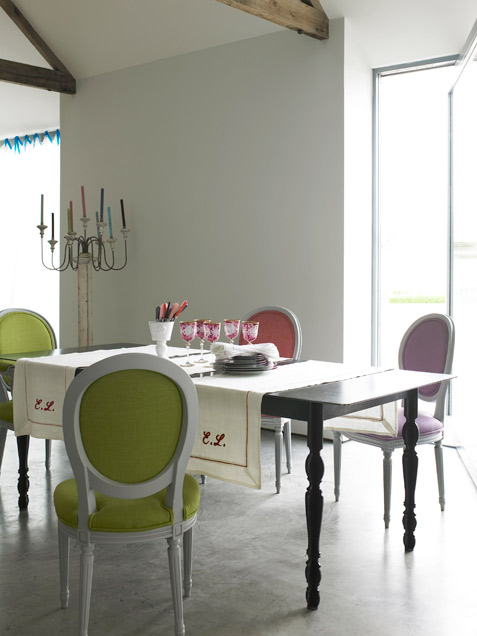 Tri-color dining room